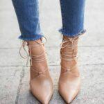 Complementa tus looks con zapatos en color nude