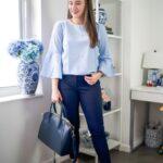 Opta por looks con blusas en colores claros para el trabajo
