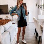 Vestidos básicos con tenis para mujeres de 40
